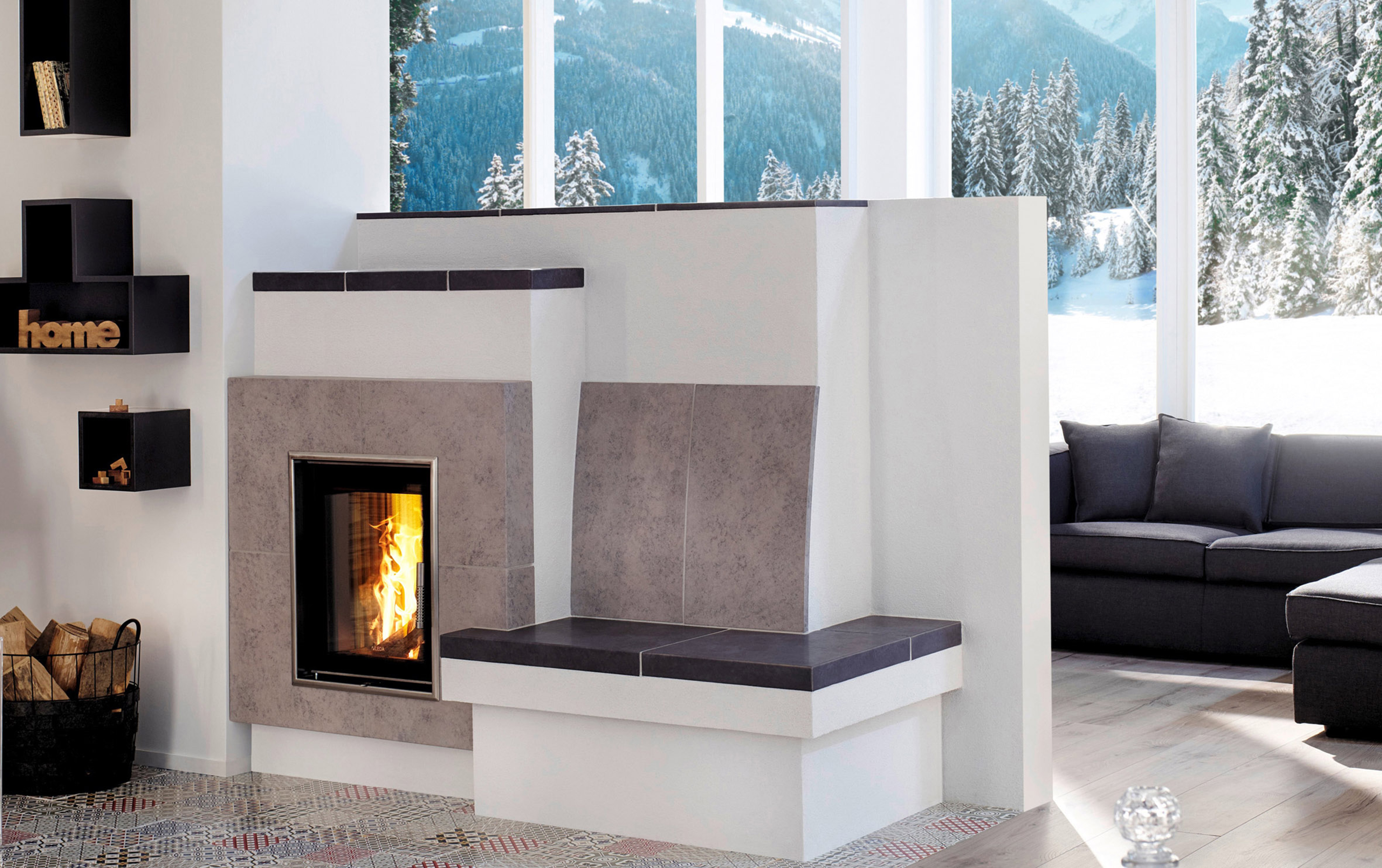 Heating with wood saves costs and creates a relaxed atmosphere. © HKI