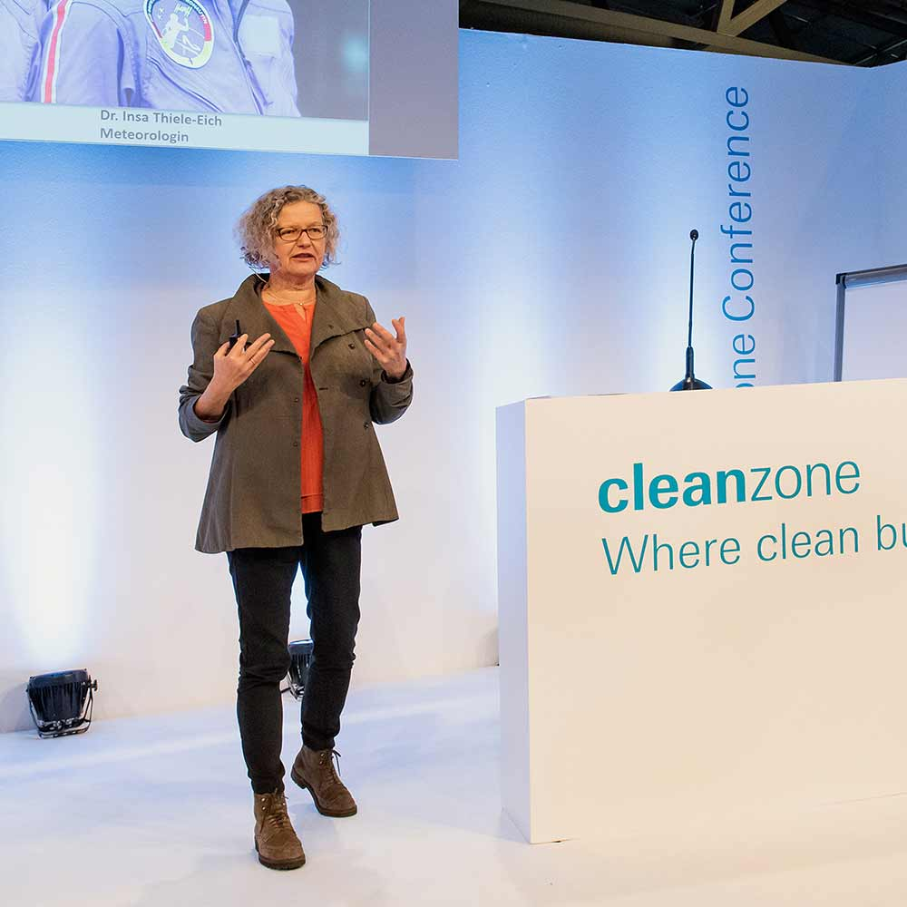 Cleanzone: Ab ins All